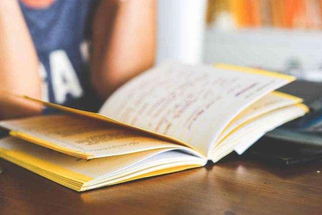 雅思阅读考试信号词的归纳与解析